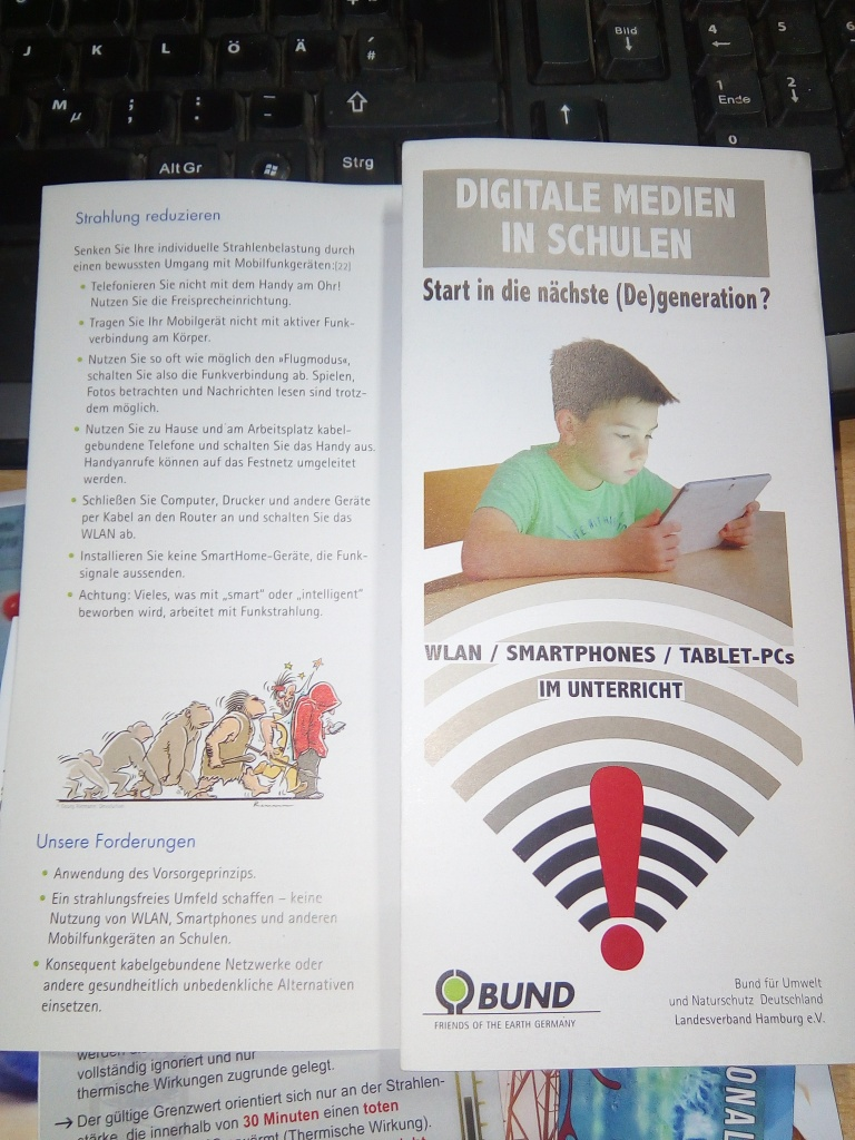 BUND-Flyer: Digitale Medien in Schulen / Start in die nächste (De)generation?